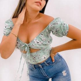 WEEK-end  Blusa Gretel en tono verde de temporada 💚 🔥PROM VIGENTE: 20%OFF + ENVÍO GRATIS🚀